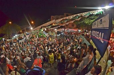 pre-carnaval samba practice
