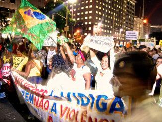Moradores do Vidigal protestam