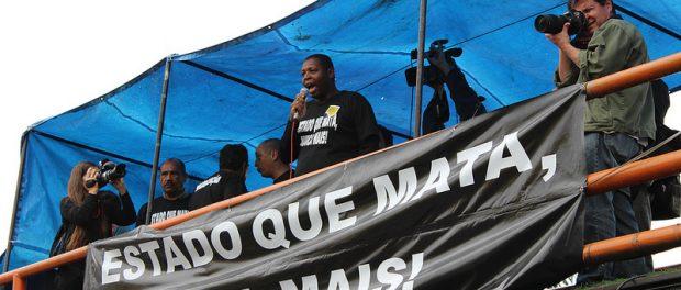 Lideranças comunitárias falam. Foto: Carla Shah