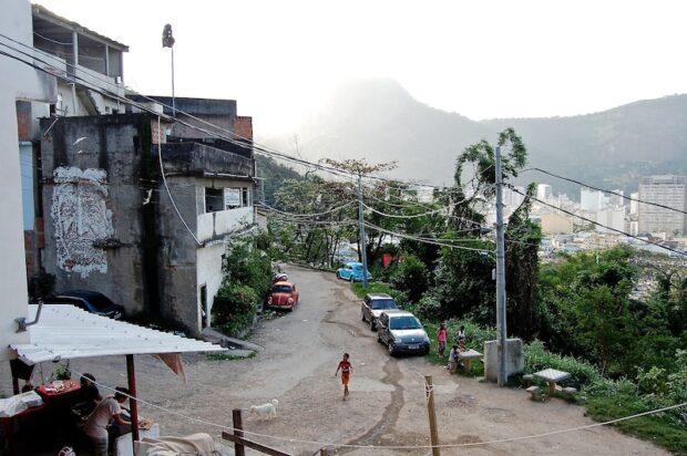 Estradinha faz parte da Ladeira dos Tabajaras, favela localizada entre Botafogo e Copacabana