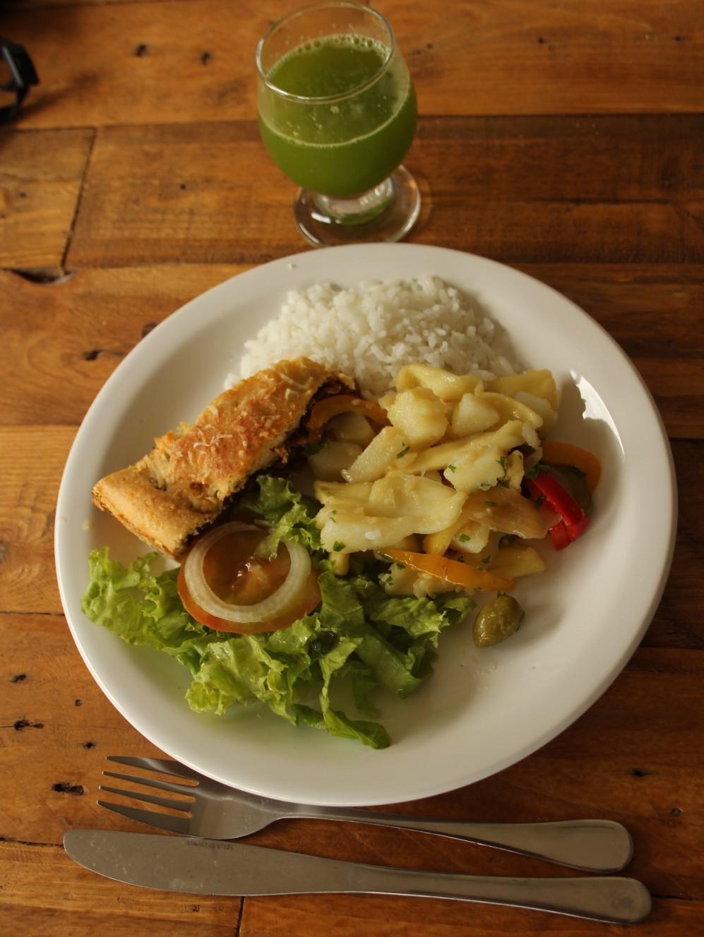 Jacalhau (de jaca, inspirado no bacalhau) servido no restaurante de Vale Encantado