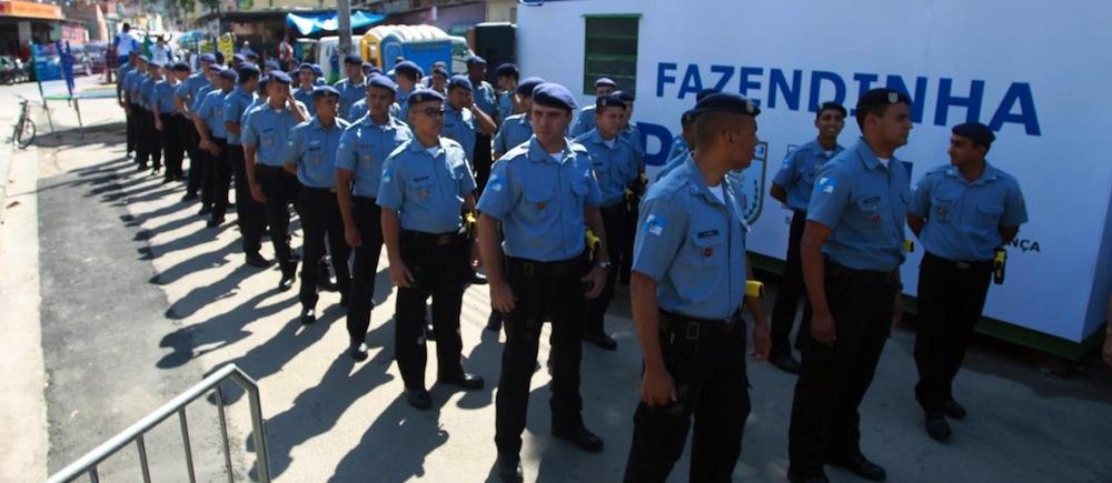 Policiais da UPP na Fazendinha. Foto: O Globo