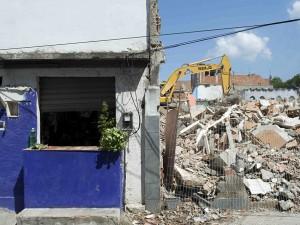 Destruições na Vila União de Curicica