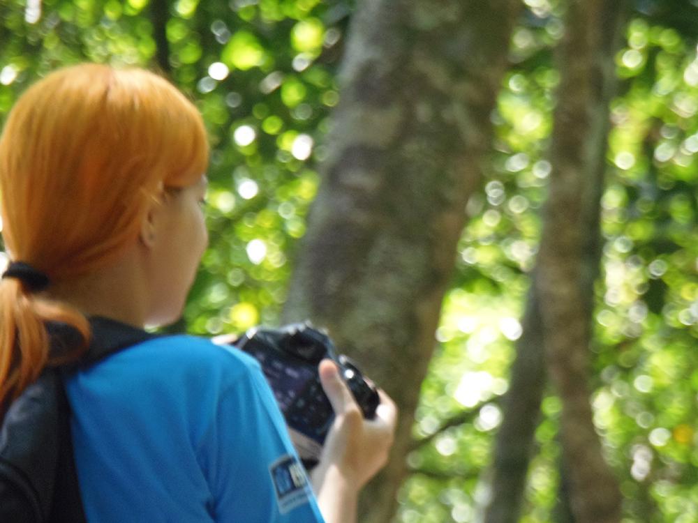Aulas de fotografia são as mais procuradas por jovens no Complexo do Alemão. Foto: Thaís Cavalcante