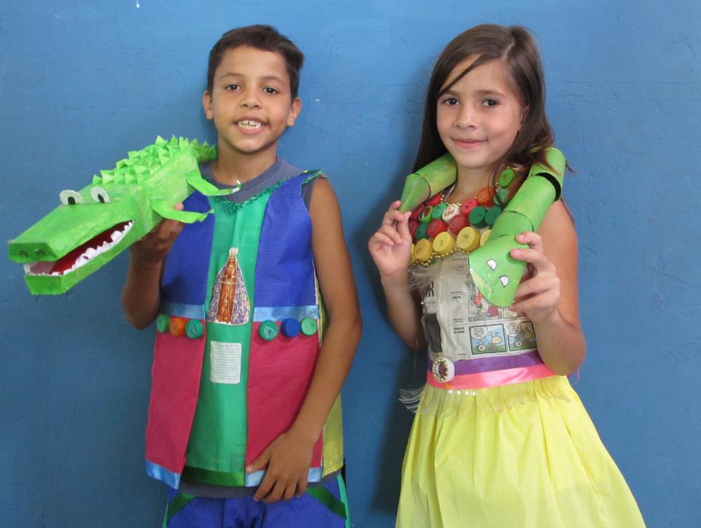 Brinquedos feitos com material reciclável
