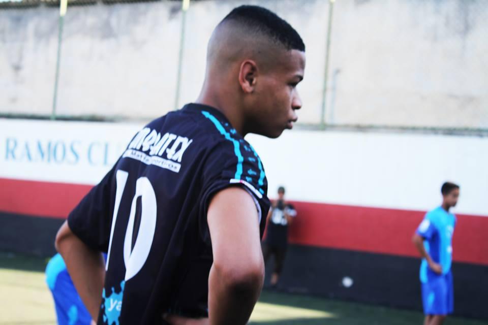 João Vitor é o camisa 10 do time.