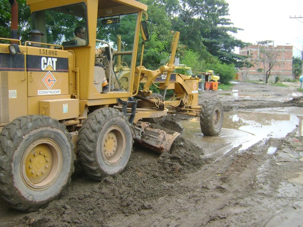 Escavadora na Vila Autódromo