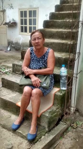Mariza do Amor Divino. Foto postada na página da comunidade no Facebook após a demolição de sua casa.