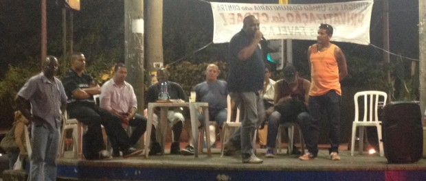 community-leaders-vidigal-CEDAE-meeting