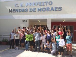Estudantes ocupam o Colégio Estadual Prefeito Mendes de Moraes. Foto do Ocupa Mendes no Facebook