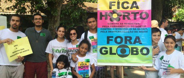 Moradores protestam contra a influência da Rede Globo