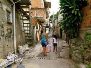 Moradores aguardam urbanizações essenciais na comunidade Pica-Pau