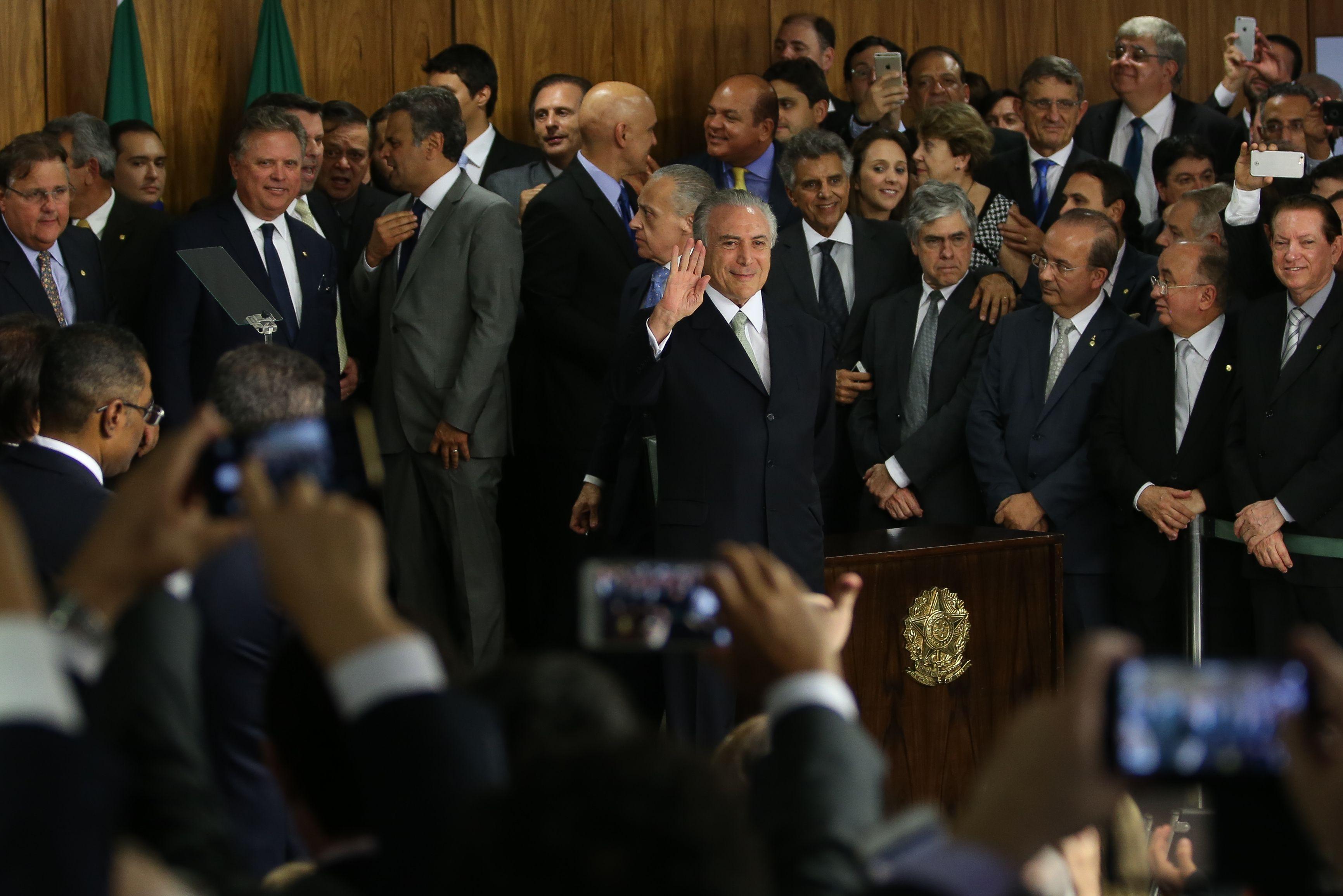 O presidente interino Michel Temer durante cerimônia de posse aos novos ministros. (Marcello Casal Jr/Agência Brasil)