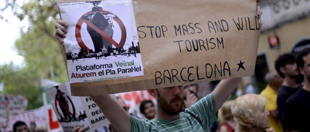 4_Demonstration_against_Tourism