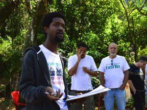Presidente da Associação de Moradores do Horto, Emerson de Souza, discute sobre  a notificação de despejo no sábado