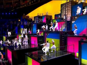 Dançarinos do passinho na cerimônia de abertura dos Jogos Olímpicos. Foto de Twitter / @ realidade social