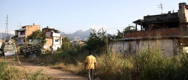 Abandoned-area-in-Beira-Rio