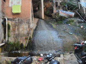 Rocinha Sem Fronteiras clamam por solução urgente para problemas de esgoto na Rocinha.
