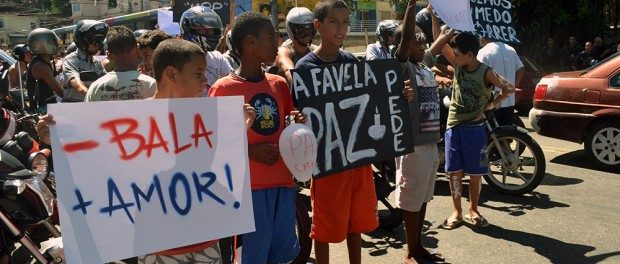 protesto-alemao-abril-4-2015-620x264-4