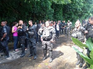 Polícia Militar bloqueia o acesso ao Horto.