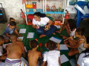 Alunos da da Eco Rede e Iara de Oliveira. Foto por Eco Rede