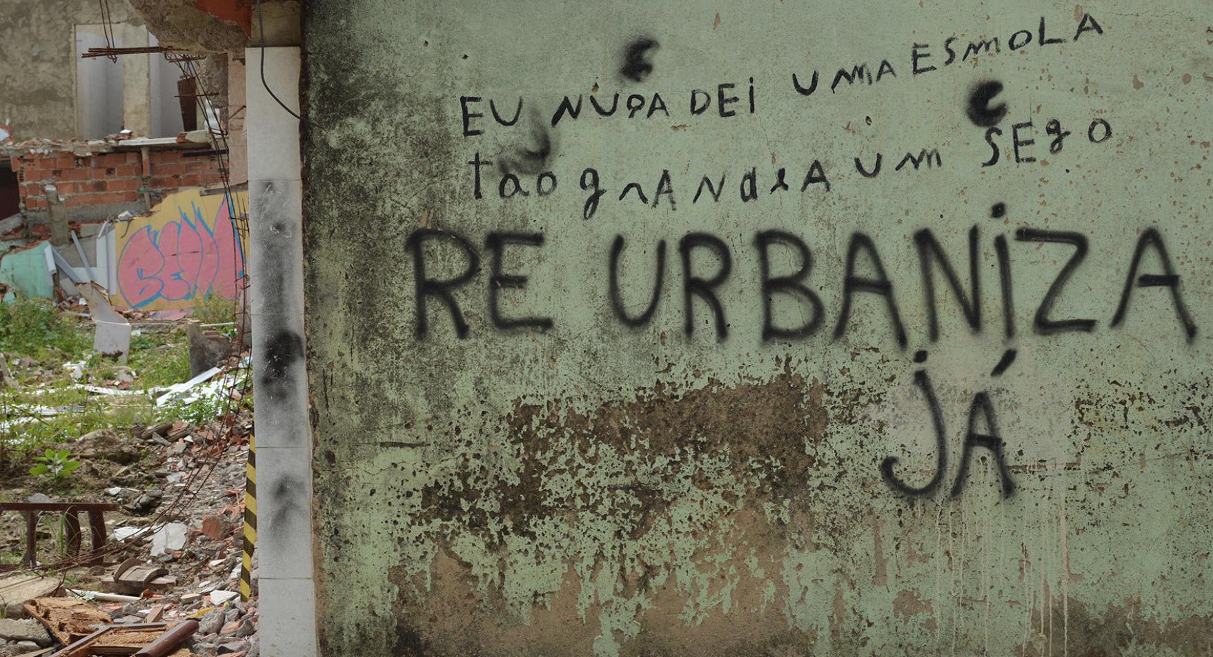 Grafitti Re Urbaniza Já. Foto: A. Lezcano do El Español http://bit.ly/2IoVEgu