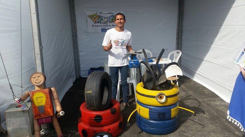 Carlos André com resultado da oficina de pneus