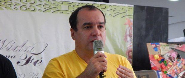 Elcio Salles na Biblioteca Governador Leonel Brizola