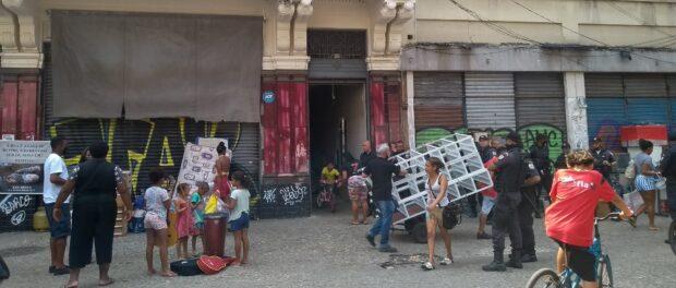 Remoção no Largo de São Francisco, no Centro. Foto por Jaqueline Suarez