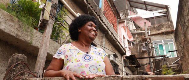 Benedita da Silva na favela. Foto por: Wagner Silva.