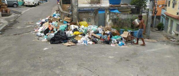 Antigo local de descarte de lixo na Alvorada, uma das favelas do Complexo do Alemão. Foto por: Mariluce Mariá