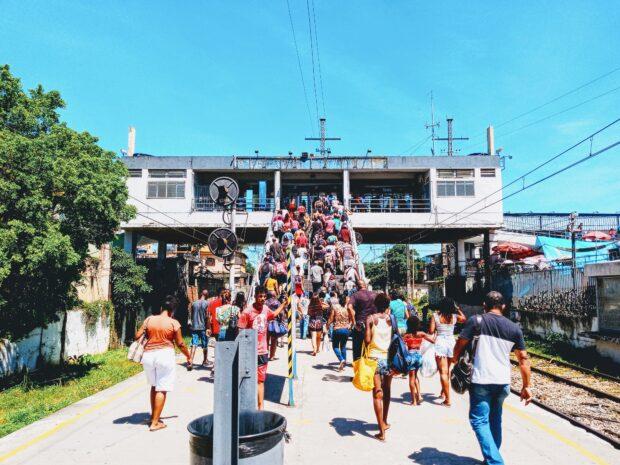 Estação Japeri, lotação a qualquer hora do dia. Foto por: Fabio Leon