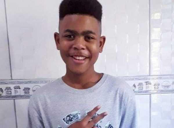João Pedro Matos Pinto estava dentro da casa de familiares quando foi baleado.