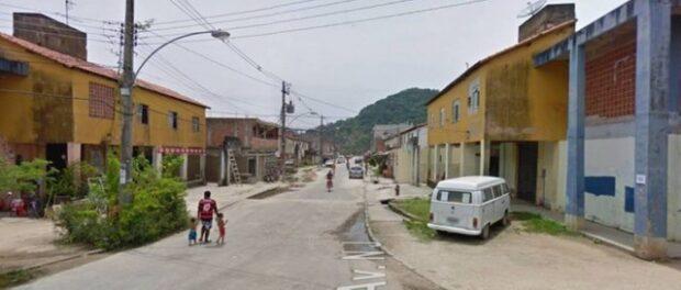 Rua na comunidade César Maia. Foto Reprodução Google Maps