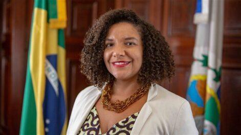 Renata Souza (PSOL-RJ) é deputada estadual do Rio de Janeiroe primeira mulher negra se tornar presidente da Comissão de Direitos Humanos e Cidadania da ALERJ