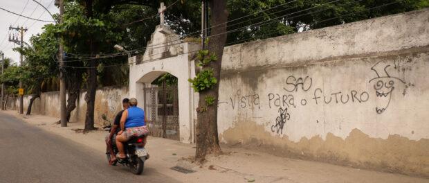 Acesso ao Complexo do Caju. Foto por: Alexandre Cerqueira